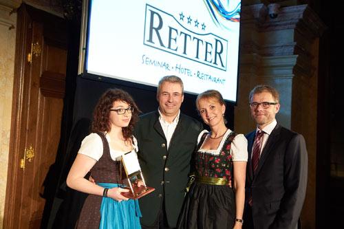 v.l.n.r. Sophia, Hermann und Ulli Retter (Seminarhotel Retter) und  Thomas Wolfsegger