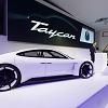 Porsche Mission E wird Taycan