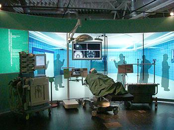 Operationssaal der Zukunft / Copyright: Jan Braun / Heinz Nixdorf MuseumsForum