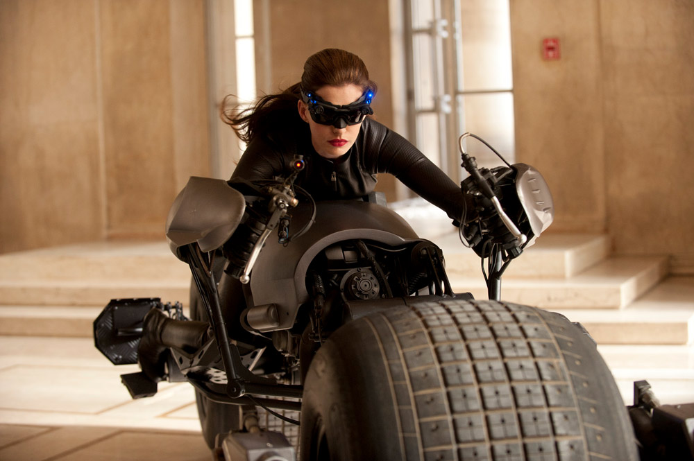 Anne Hathaway als Selina Kyle / Catwoman